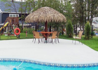 pool-side-umbrella